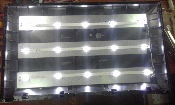 HYUNDAY H LED28V22 4